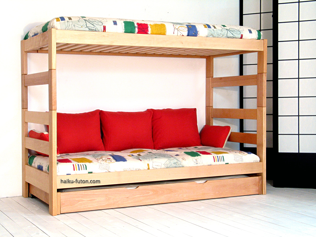 Pin litera a on pinterest for Sofa cama para habitacion juvenil